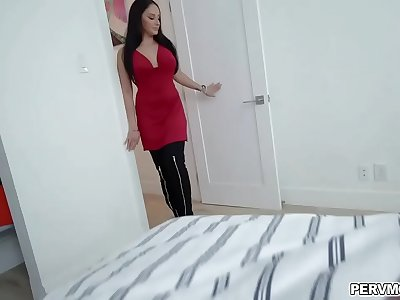 Stepmom gets back to her stepson to take his big prick
