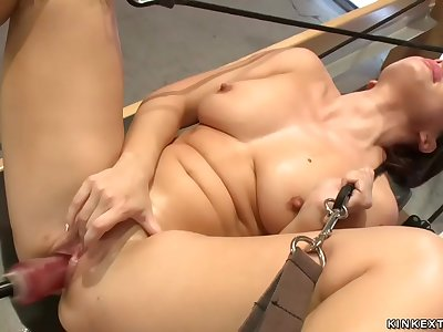 Lea Lexis fucking machines to orgasm