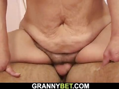 Hairy-pussy old blonde granny rails his dick
