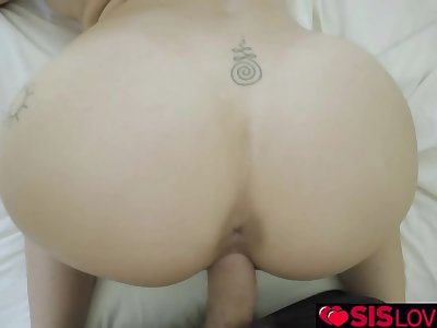 Stepsisters big tits bounces to the rythm of stepbros strokes