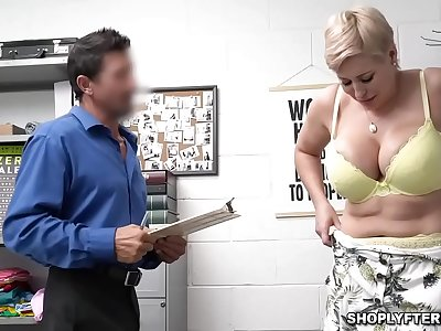 Ryan Keely gets fun bags and her vagina romepd hard from behind