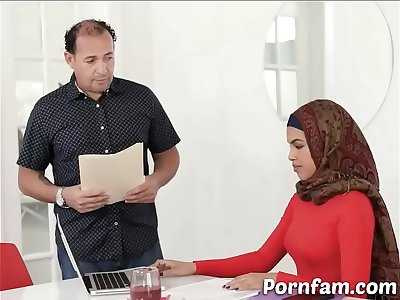 Arab Sinner Stepsister Have an Affair with Her Step Bro - Pornfam.com