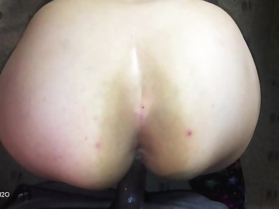 fat nut white pawg gets fucked on the floor after work