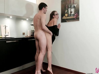 Plumber Hard Rough Fuck Sexy Housewife and Jism in Mouth
