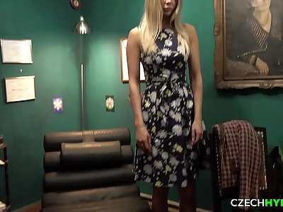 Beautiful Model Got Her Nuts Fucked