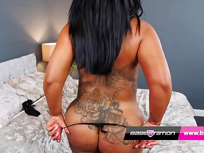 Exotic stunner Mia Yasmin with her big tits and booty