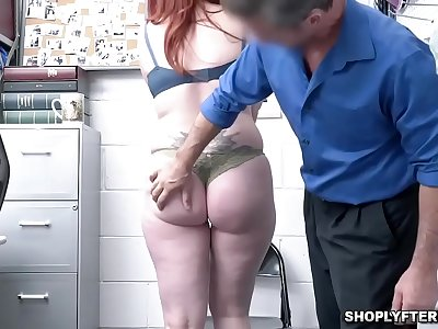 Security guard fucking Amber Dawns taut mummy coochie