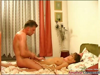 Slender chick gets fucked by superslut guys during a casting! AMATEURCOMMUNITY.XXX