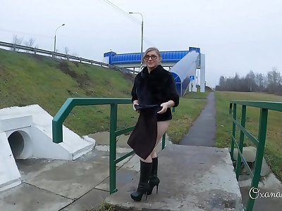 Fuckslut in an overpass. Winter and summer. Butt butt-plug and oral pleasure