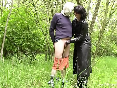 Lady in black, part three: handjob in leather gloves