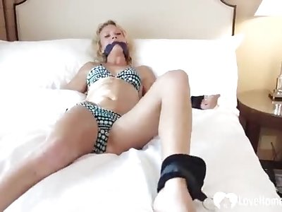 I tied up my teacher to fucktoy her