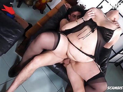 SCAMBISTI MATURI - #Danette Squirt - Italian BBW Mom Gets Her Very first Assfuck On Webcam From Youthfull Paramour