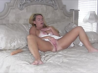 Spying On StepMommy Masturbating